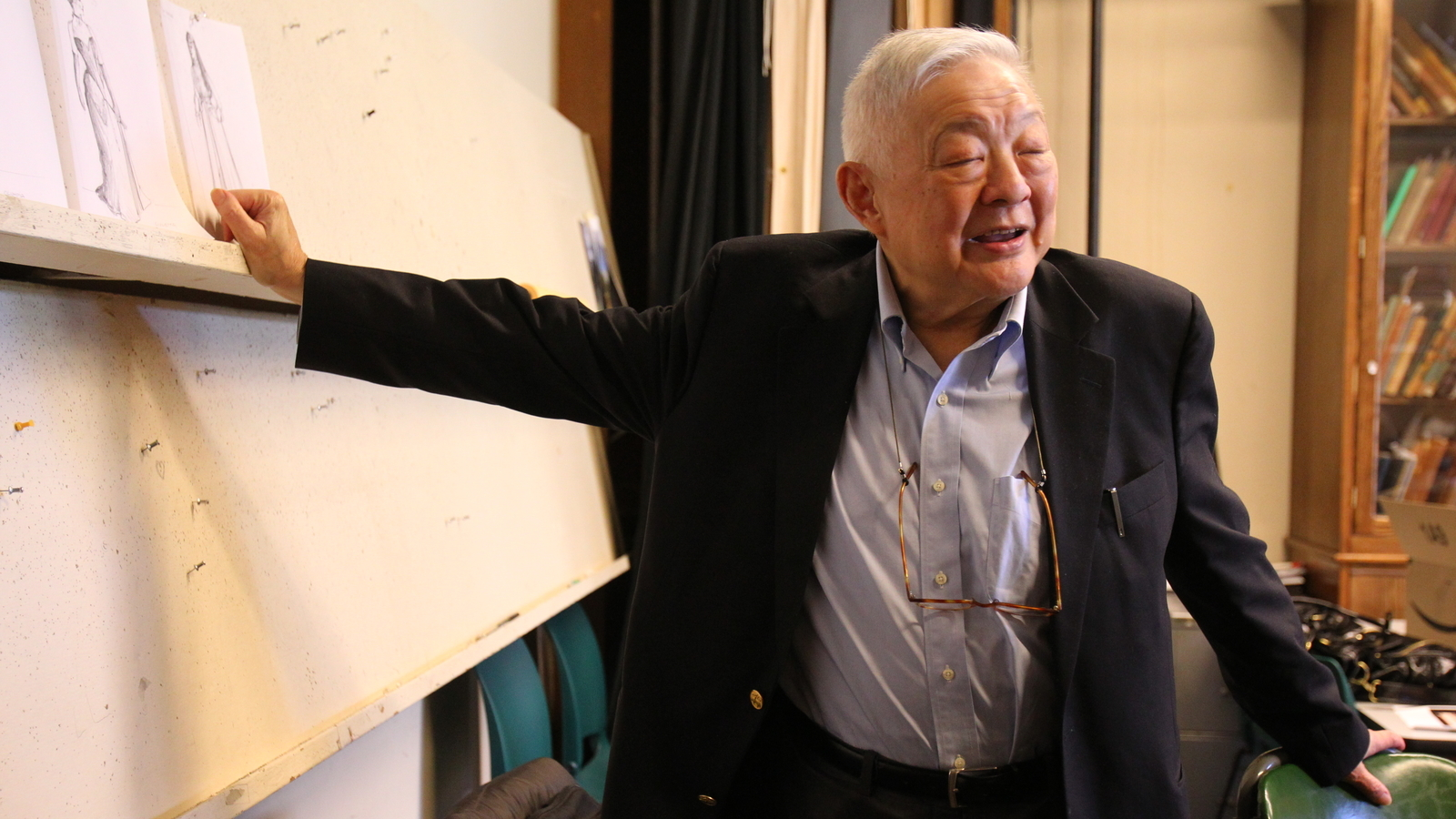 Ming Cho Lee standing